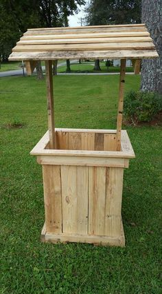 Wishing Well Out Of Pallets Palettes Pinterest Pallet Projects Furniture And Diy