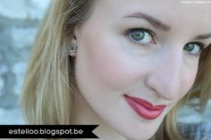 """Rouge à lèvres minéral (#6705) & Rouge à lèvres hydratant Studio """"Coral Cutie"""" (#82634) http://www.eyeslipsface.fr/produit-beaute/rouge-a-levres-hydratant-studio"""