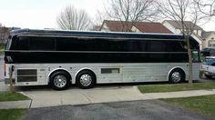 Black American Eagle Japanese Vintage, Prevost Bus, Converted Bus, Luxury Bus, Motor Homes, Bus Conversion, Silver Eagles, Coaches, Mens Sunglasses