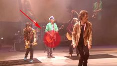 'I Can't Get No Satisfaction' Live | But Listen To The Crowd When Keith Richards Starts Playing!