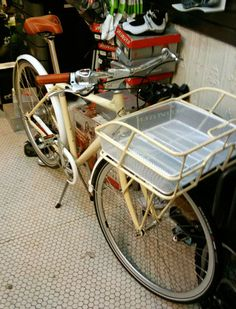What's your favorite dog basket/carrier? - The Chainlink Dog Trailer, Gary Fisher, Dutch Bike, Old Bikes, Bike Style, Vintage Bikes, Bike Design, Wheelbarrow, Cycling Bikes