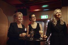 Winnares van de Virtuele Assistent van het jaar award 2012, Céline Vroman (m) samen met de andere finalisten Saskia Muizelaar (l) en Yfke Laanstra (r)