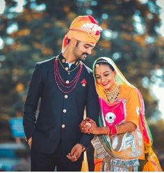 Shivani Rathore 💫 Indian Wedding Couple Photography, Wedding Couple Photos, Pre Wedding Photoshoot, Wedding Couples, Rajasthani Bride, Rajasthani Dress, Rajput Quotes, Rajputi Dress, Wedding Sherwani