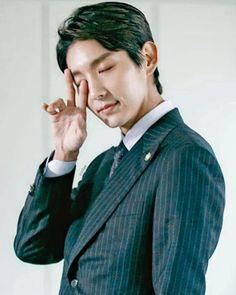 Lee Joon Gi - Lawless Lawyer Lee Joongi, Joon Gi, Kdrama Actors, Asian Men, Marie Claire, Lawyer, Korean Actors, Korean Drama, Dramas