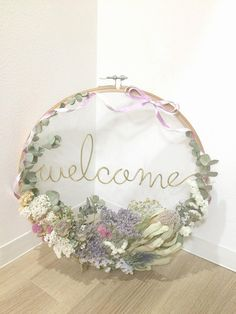 Discover recipes, home ideas, style inspiration and other ideas to try. Artificial Flower Arrangements, Artificial Flowers, Tree Wedding, Wedding Guest Book, Church Aisle, Wedding Photo Gallery, Diy Home Crafts, Centerpieces, Wreaths