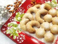 Migdałowe, śnieżne kule | Mama Alergika Gotuje Cookies, Desserts, Food, Crack Crackers, Tailgate Desserts, Deserts, Biscuits, Essen, Postres