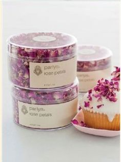 These edible rose petals are perfect scattered atop your buttercream cake or cupcakes for a totally unique effect and taste. 30g/$10