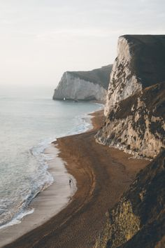 "expressions-of-nature: ""Jurassic Coast, Dorchester, United Kingdom by Elliot Cooper "" Landscape Photography, Nature Photography, Travel Photography, Digital Photography, Photography Ideas, Beautiful World, Beautiful Places, Beautiful Beach, Jurassic Coast"