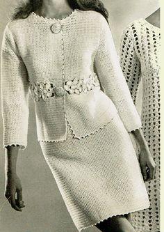 Você ama crochê amigurumi então é com você mesmo esse curs Gilet Crochet, Crochet Jacket, Crochet Blouse, Knit Crochet, Mode Vintage, Vintage Ladies, Dress Patterns, Crochet Patterns, City Chic Dresses