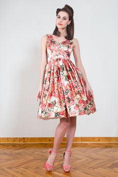 Knielanges Petticoatkleid mit Blumenprint / fifties dress with flower print and petticoat, rock'n'roll, rockabilly style by Yvonne-Warmbier via DaWanda.com