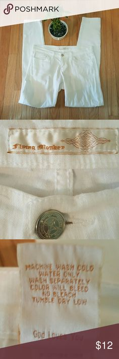 Flying Monkey White Jeans, Sz. 9 Flying Monkey white jeans in sz.9.  Jeans are 98% Cotton, 2% Spandex.  Classic 5 pocket design.  Perfect for casual summer evenings!  Excellent pre-owned condition. Flying Monkey Jeans Skinny