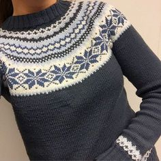 Bilderesultat for nancykofte Fair Isle Knitting Patterns, Fair Isle Pattern, Knit Patterns, Norwegian Knitting, Nordic Sweater, Icelandic Sweaters, How To Purl Knit, Christmas Knitting, Knitting Projects