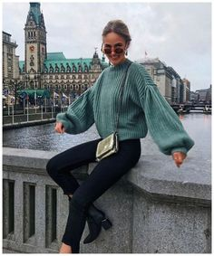 Outfits – 46 Casual Winter Outfits 2019 to Wear Everyday - Autumn Sweater Winter Outfits 2019, Casual Winter Outfits, Cute Summer Outfits, New Fashion Trends, Fall Fashion Outfits, Retro Fashion, Skin Tight Leggings, Fashion Magazin, Sweater Dress Outfit
