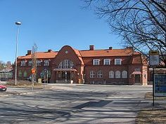 Hämeenlinna Railwaystation from city side Scandinavian Countries, Beautiful Buildings, Helsinki, Park City, Old Houses, Finland, Mansions, Country, House Styles
