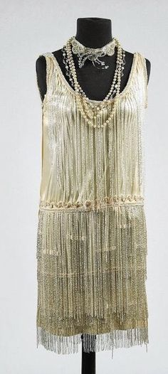 Edith Head Dress (front view) - 1929 - Made for Clara Bow in The Saturday Night Kid This is GORGEOUS.