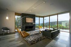 Wohnzimmer Ausblick Gebirge Einrichtung Designklassiker Möbel #traumhäuser  #facade #dreamhouse
