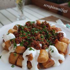 Görüntünün olası içeriği: yiyecek Iftar, Chicken, Food, Essen, Meals, Yemek, Eten, Cubs