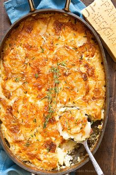 Plenty of cheesy goodness in Garlic Parmesan Au Gratin Potatoes with layers of thinly sliced potatoes, Parmesan cheese, and garlic. Serve it as a holiday side dish or alongside meat and potatoes for d (Parmesan Cheese Chips) Potato Sides, Potato Side Dishes, Vegetable Side Dishes, Potato Recipes, Vegetable Recipes, Vegetarian Recipes, Cooking Recipes, Tuna Recipes, Recipies