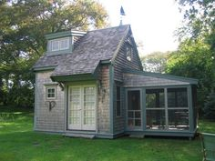 This is so cute, and 400 sq.ft. — big enough for a downsize.
