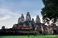 Phnom Bakheng is one of Angkor Wat's oldest temples and offers a stunning view of the site. Angkor Wat, Stunning View, Temples, Cambodia, Monument Valley, To Go, Explore, Adventure, World