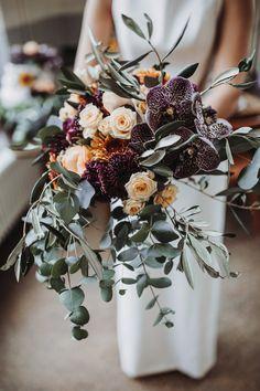 Plan My Wedding, Our Wedding Day, Fall Wedding, Wedding Ceremony, Wedding Planning, Autumn Weddings, Wedding Ideas, Wedding Table Flowers, Wedding Bouquets