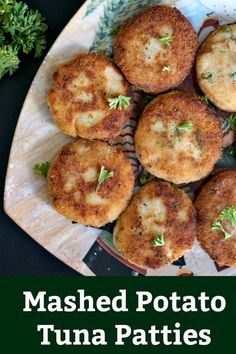 Mashed Potato Tuna Patties super delicious and super easy to make these patties are a great way to use any leftover mash you have. They make the perfect finger food for the whole family and are particurly nice as a back to school healthy snack. Fish Recipes, Seafood Recipes, Vegetarian Recipes, Cooking Recipes, Healthy Recipes, Canned Tuna Recipes, Healthy Food, Mashed Potato Patties, Mashed Potatoes