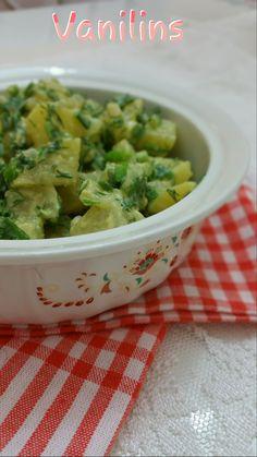 Patates Salatası Hardallı Patates Salatası Patates Salatası Tarifi Bugün çocuklar okuldan gelmeden onlar için bir şeyler hazırladık ...
