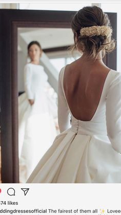 Beautiful back and the dress has pockets...