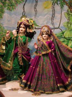 Radha Krishna Quotes, Lord Krishna Images, Radha Krishna Pictures, Radha Krishna Photo, Krishna Photos, Krishna Art, Jai Shree Krishna, Radhe Krishna, Laddu Gopal Dresses