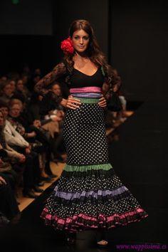 Wappíssima - Pasarela Flamenca 2011 -Flamenkas de Jerez Flamenco Costume, Flamenco Dresses, Bohemian Gypsy, Peplum Dress, Gowns, Costumes, Skirts, How To Wear, Inspiration