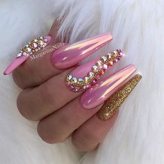 Light Pink chrome coffin nails Gold glitter and bling nail art designs by 🌸MargaritaP🌸 (@margaritasnailz) • Instagram photos and videos