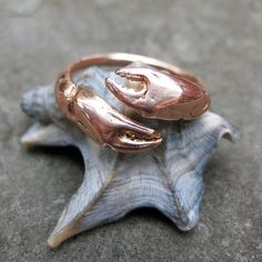 rose GOLD crab CLAW adjustable bypass ring sz ready to ship cancer zodiac Crab Decor, Zodiac Rings, Cute Jewelry, Nautical Jewelry, Fossil Jewelry, Bypass Ring, Love Ring, Unique Rings, Gold Rings