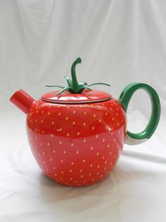 Vintage Strawberry Tea Pot by lemonsandcoal on Etsy