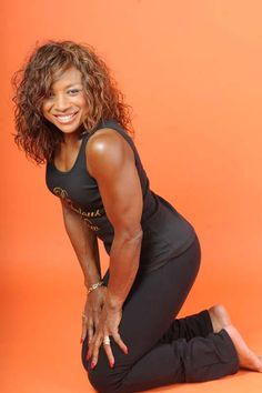 Linda Wood Hoyte, the 70-year-old (yes, this is still what 70 looks like!). Ms. Hoyte is a former body builder and continues to workout and exercise often. #blackdoctor.org