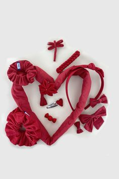 Vous souhaitez réaliser une coiffure romantique pour la Saint-Valentin ? Découvrez nos barrettes, chouchous, serre-têtes Barrettes, Band, Accessories, Romantic Hairstyles, Alice Band, Sash, Ribbon, Bands, Orchestra