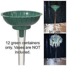how to arrange flowers in eiffel tower vase Centerpiece Rentals, Wedding Table Centerpieces, Flower Centerpieces, Flower Vases, Eiffel Tower Centerpiece, Eiffel Tower Vases, Home Flower Arrangements, Green Tower, Tall Glass Vases