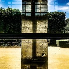 #jmvoge #shadow  #light #nomad #enjoylife #dream #photooftheday #mystery  #travel #meeting #vision  #texture #line  #mystery #fubiz #streetphotography  #style #window #ontheroadagain #transparency #reflection #cross Mystery Travel, On The Road Again, Jean Michel, Street Photography, Reflection, Window, Texture, Style, Windows