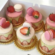 crucot: ig - December 22 2018 at - Foods and Inspiration - Yummy Sweet Meals - Comfort Foods Recipe Ideas - And Kitchen Motivation - Delicious Cakes - Food Addiction Pictures - Decadent Lifestyle Choices Think Food, I Love Food, Good Food, Yummy Food, Cute Desserts, Delicious Desserts, Dessert Recipes, Cafe Recipes, Pretty Cakes