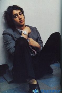 Julian Casablancas.  I really like This.picture!!