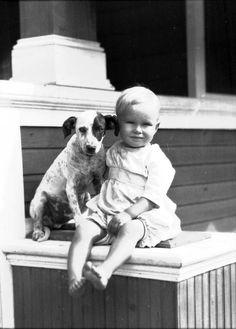 Lifelong friends! (circa 1920s) | Florida Memory