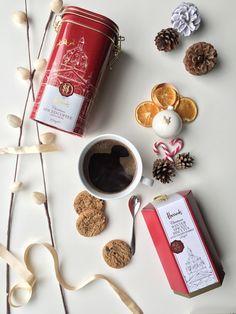 Insert Spiced Caffeine... . Seasonal spiced coffee is heaven in a cup right now. . . #coffee #coffeelovers #caffeine #harrodschristmas #harrodsmoments #harrods #harrodsfoodhall #flatlay #flatlays #biscuits #spice #seasonal #holidayseason #manmeetsfashion #lifestyle #igcoffee #morningcoffee #baristadaily #spicedcoffee