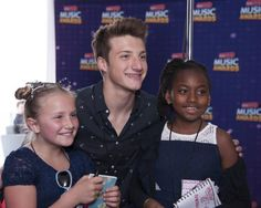 And, here are some more great pictures from Radio Disney - over 100 - that they have shared from backstage at the 2016 Radio Disney Music Awards (RDMA) that