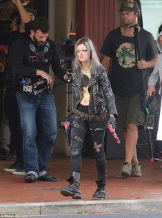 Samara Weaving in Guns Akimbo Punk Rock Grunge, Post Apocalyptic Fashion, Stuff And Thangs, Samara, Halloween Outfits, Celestial, Good Movies, Fashion Models, Tv Shows