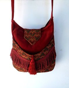 Brick Red and Burgundy Tapestry Gypsy Bag Rose por piperscrossing