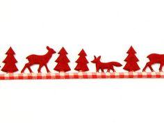 Red Christmas Scene Felt/Gingham Christmas Ribbon 25mm wide - 5 metre roll Preview