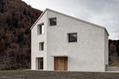 Neubau von Pedevilla Architekten in Südtirol / Gelassen wie ein Herrenhaus - Architektur und Architekten - News / Meldungen / Nachrichten - BauNetz.de