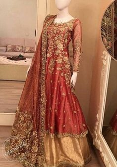 Breathtaking peach partywear anarkali suit online which is crafted from net fabric with exclusive embroidery and hand work. This stunning designer anarkali suit comes with net dupatta and japan satin, american crepe inner.