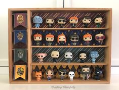 Create a unique DIY Harry Potter Funko Pop Display Case for your Harry Potter Funkos! Perfect for displaying those that came in the Advent Calendar! Harry Potter Diy, Harry Potter Display, Hery Potter, Cadeau Harry Potter, Harry Potter Nursery, Theme Harry Potter, Anniversaire Harry Potter, Funko Pop Harry Potter, Funko Pop Shelves