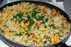 Orez cu legume la tigaie - Romanian Food, Romanian Recipes, Fried Rice, Grains, Vitamins, Vegetables, Curry, Cooking, Health
