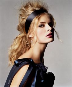 Julia Stegner by Michael Thompson for Allure April 2007 Holiday Hairstyles, Messy Hairstyles, Beauty Makeup, Hair Makeup, Hair Beauty, Julia Stegner, Michael Thompson, My Hairstyle, Big Hair